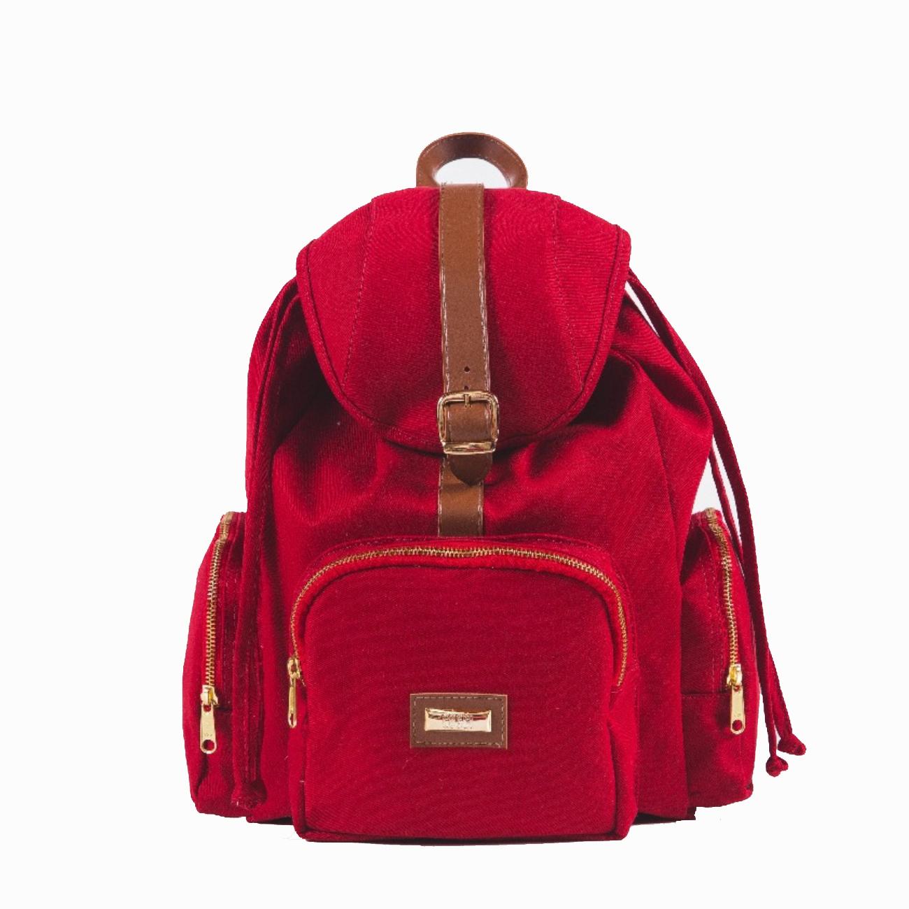 mochilinha vermelha
